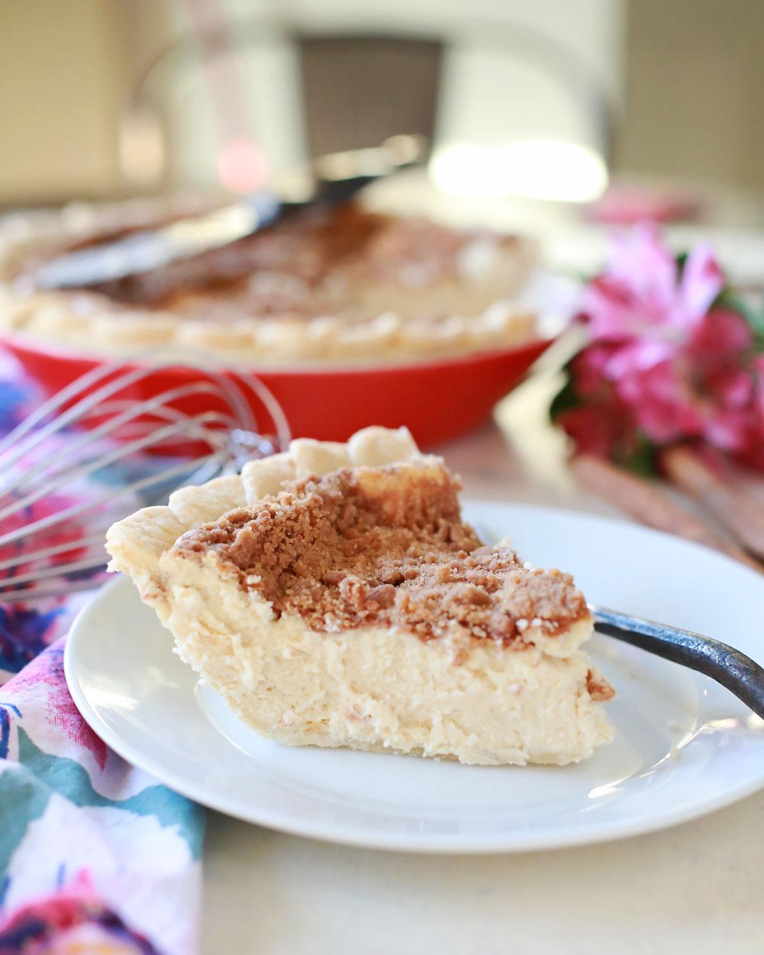 Incredibly delicious sopapillas cheesecake pie! It's soooo good!