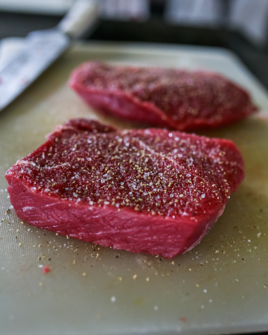 How to sous vide cook a ribeye steak, tenderloin, tbone, New York, or top sirloin steak sous vide.