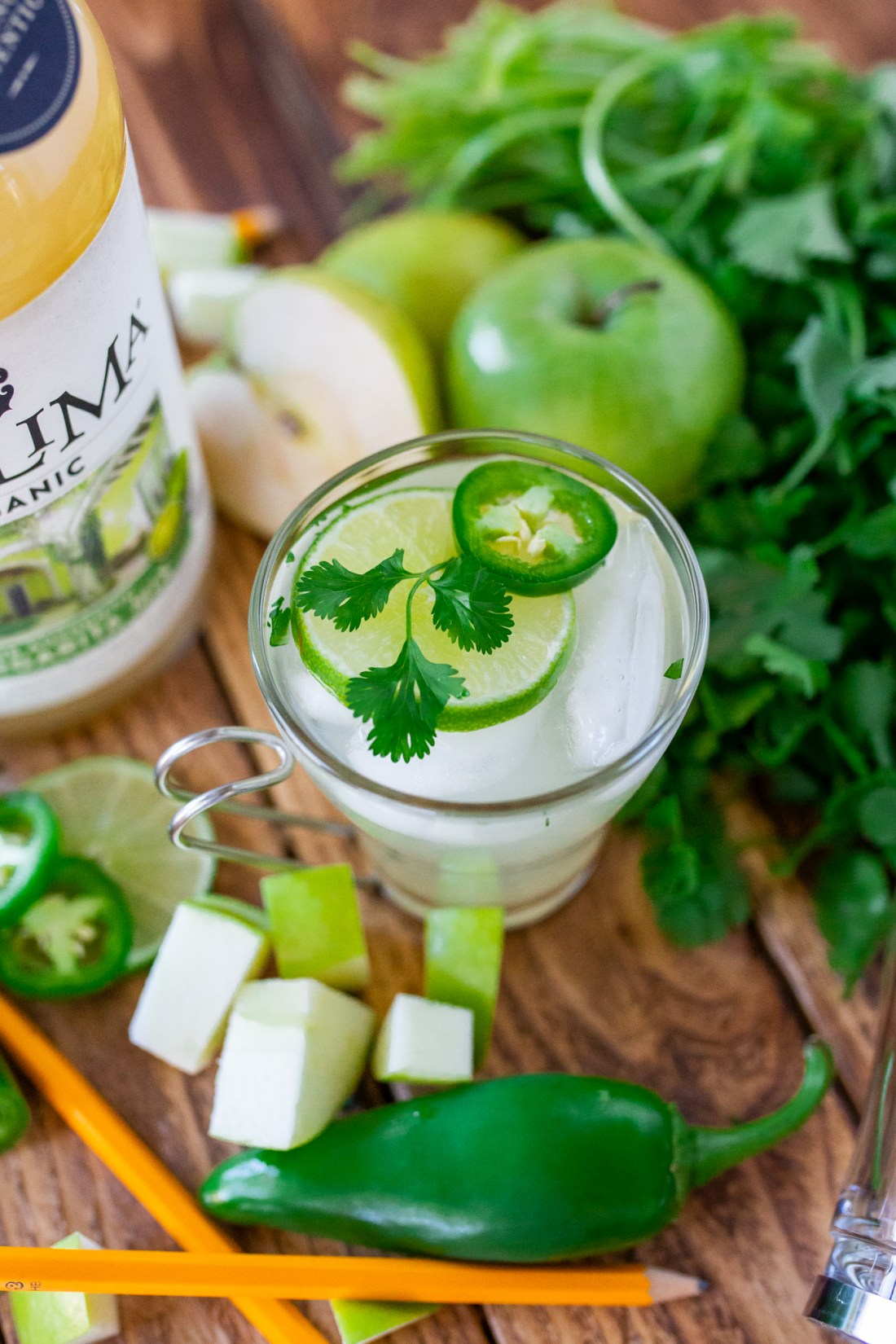 Green apple cocktail recipe