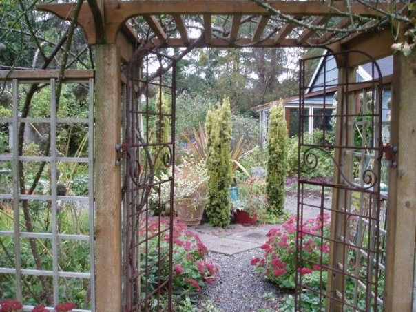rebar arbours and trellises  Tangly Cottage Gardening Journal