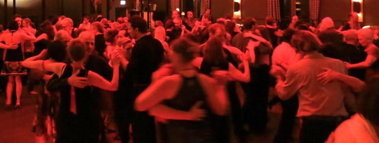 Tango lernen in München - hier auf de legendären Milonga im Filmcasino
