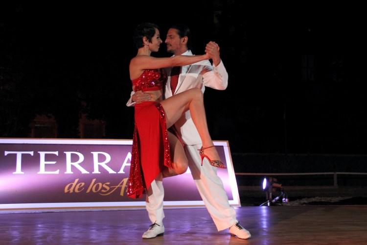 tangomuenchen- Fabian und Michaela während einer Show für Terrazas