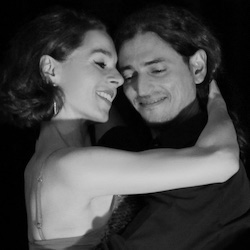Tango lernen in München- Fabian und Michaela in Umarmung