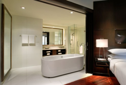 TANGO_online_hyatt_PHUHR_P007_Bathroom_70597