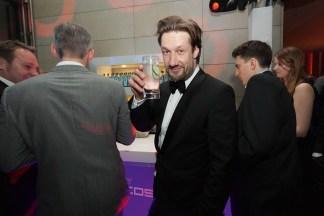 TANGO_online_ahoi_0215__christoph kottenkamp trinkt leckeren gin von der east-bar
