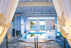 TANGO_online_luna-blu-suite-with-private-heated-indoor-pool