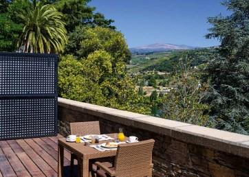 TANGO_online_six_senses_douro_valley_quinta_river_breakfast_on_terrace_[6176-original]