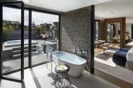 TANGO_online_barcelona-2014-suite-barcelona-bathroom