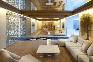 TANGO_online_barcelona-lobby-main-lobby-with-catwalk-1