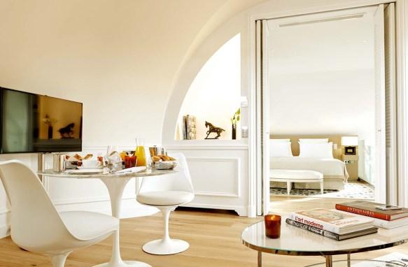 67311213-h1-salon_et_chambre_palais_royal