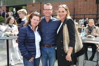 Sabina und Michael Bernhardt mit Kerstin Meinrenken