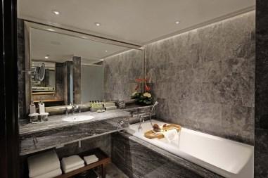 6_Premium Duplex Suite_Upstair Bath room