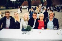 Ferdinand Floto mit Freundin Isabel, Christine Franz, Dawid Turecki, Monika Hacker und Moritz Graf zu Reventlow