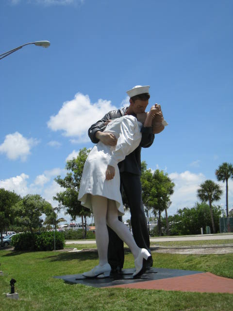 Unconditional Surrender Statue at Marina Jacks