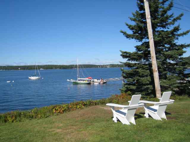 BoothbayHarbor_SprucePointInn_DockView