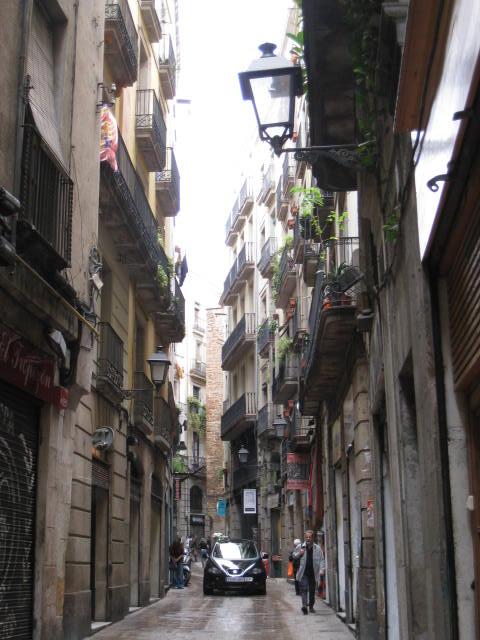 Barcelona_NarrowStreets