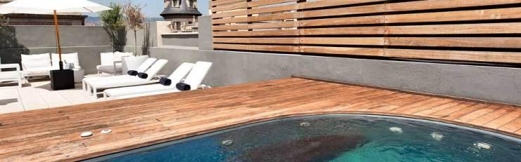 en-swimming-pool-terrace-ciutat-vella-barcelona