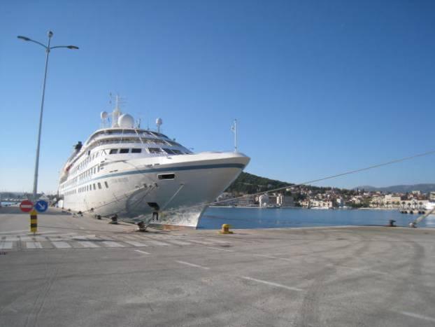StarBreeze_YachtCruising