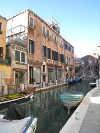 NarrowStreets_Venice