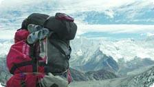 Porter at the top of Kongma La Pass
