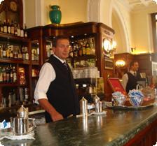 Gilli interior (A happy bartender, desp