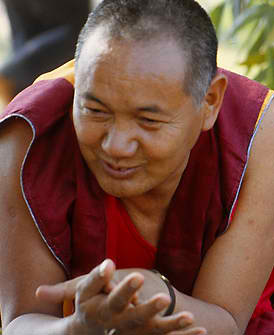http://www.nalanda-monastery.eu/nalanda/uploads/images/lamayeshe.jpg