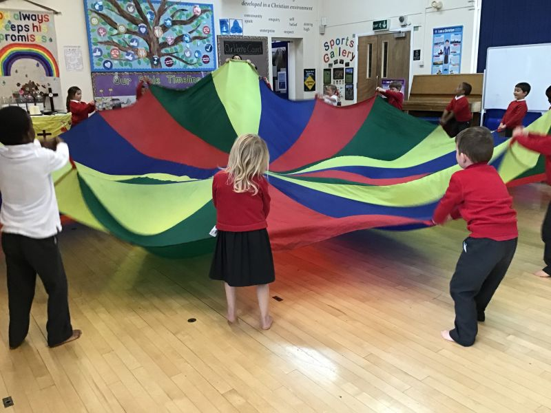 THE SHINING STARS HAVE FUN WORKING AS A CLASS TEAM!