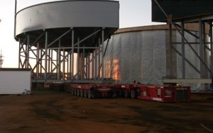 Field erected thickener tank lined in field