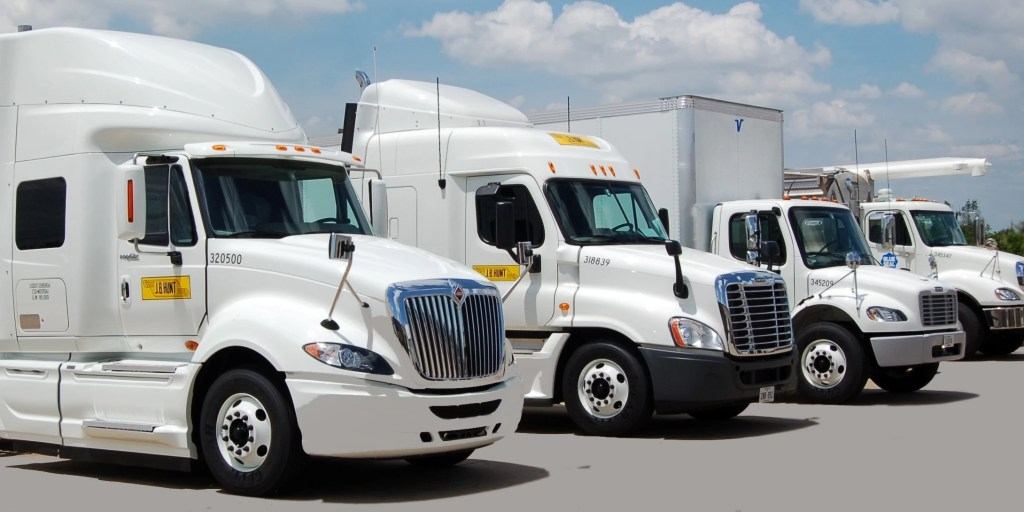 J.B. Hunt Recognizes 77 Safe Truck Drivers, 77 J.B. Hunt Truck Drivers Recognized for Safe Miles