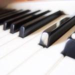 ピアノを起こす