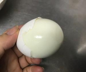 つるんとゆで卵の殻がむけます❕