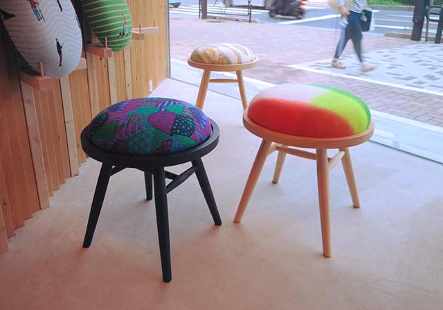 youbi_tansan_hotaru_stool
