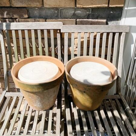 蓋をした状態の手作り植木鉢コンポストの画像