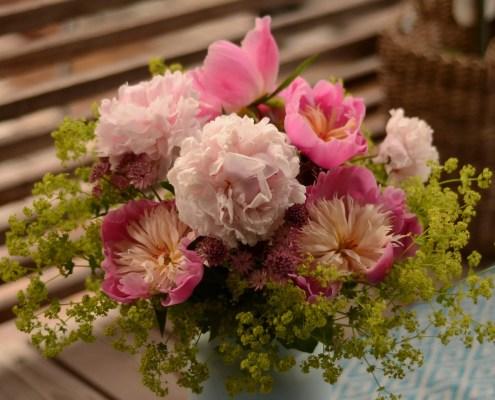 Sommerbukett i rosa og grønt