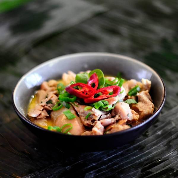 Tante Kookt Moluks Javaans Eten Thuisbezorgd Afhaal Ajam Kelapa - Tante Kookt - Take Away & Home Delivery