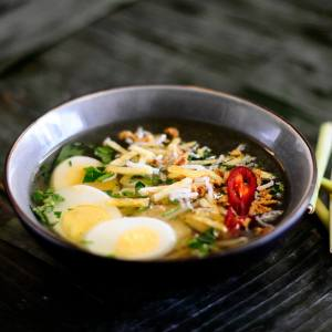 Tante Kookt Moluks Javaans Eten Thuisbezorgd Afhaal Soto Sereh - Tante Kookt - Take Away & Home Delivery