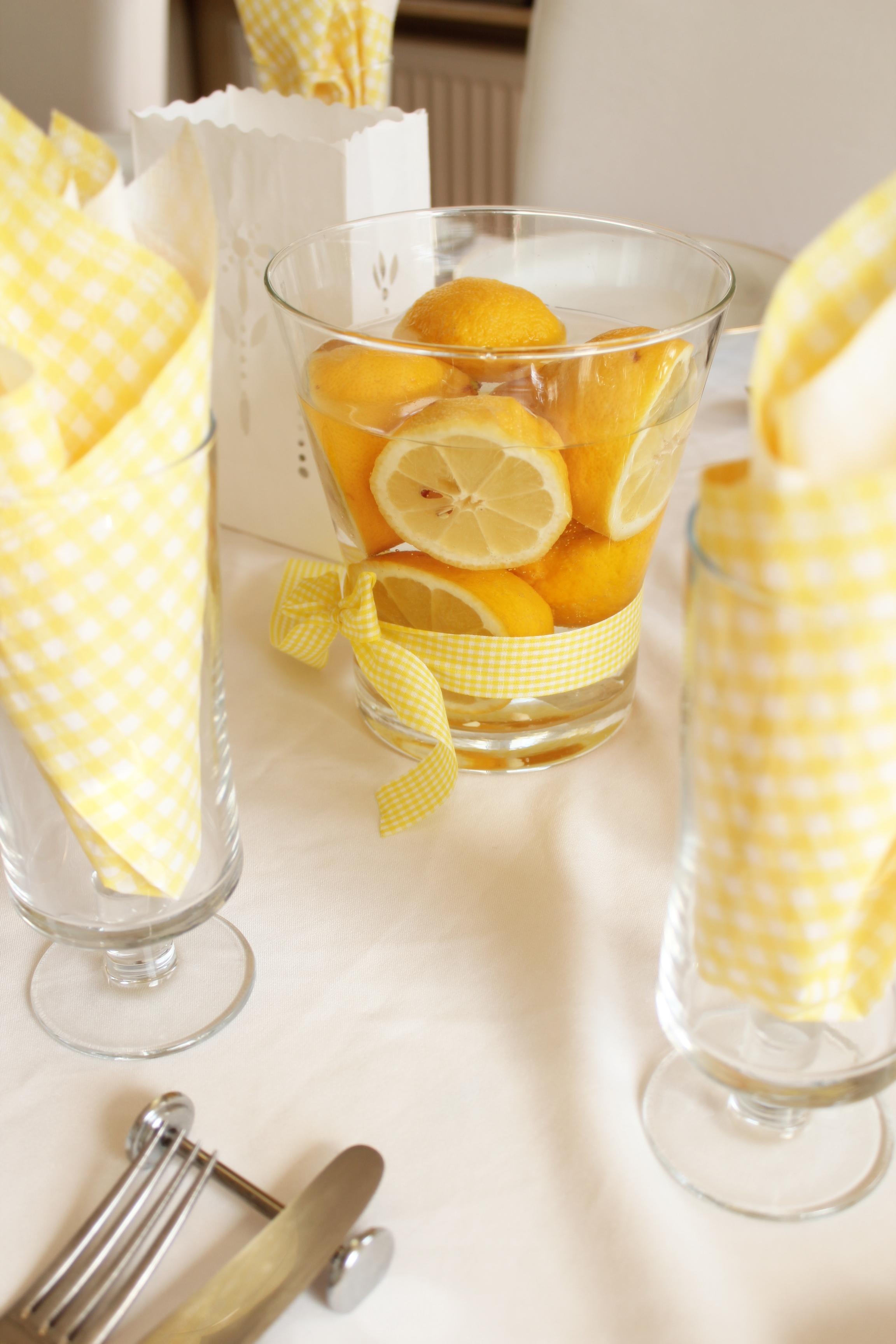 Gelbe Farbtupfer machen gute Laune Tischdeko  Tante