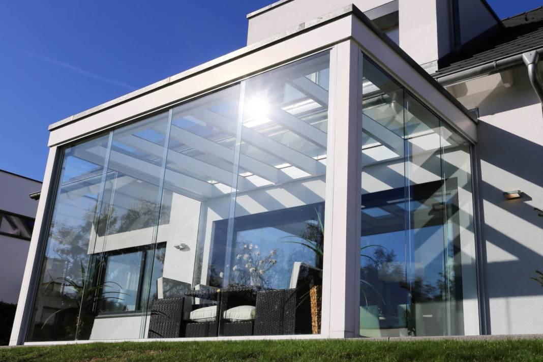Met een glazen overkapping kan je 365 dagen van je tuin genieten