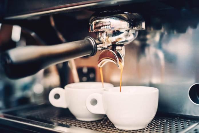 6 redenen waarom soms buiten de deur werken een goed idee is koffie