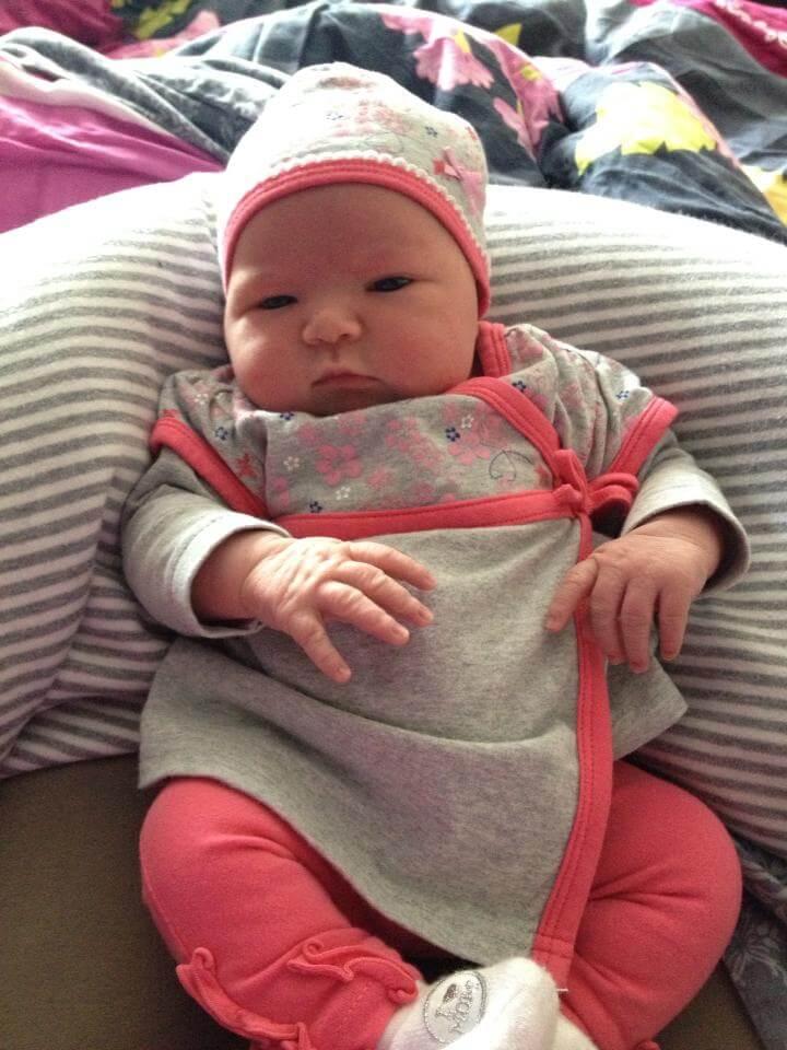 Jenna 1 dag oud