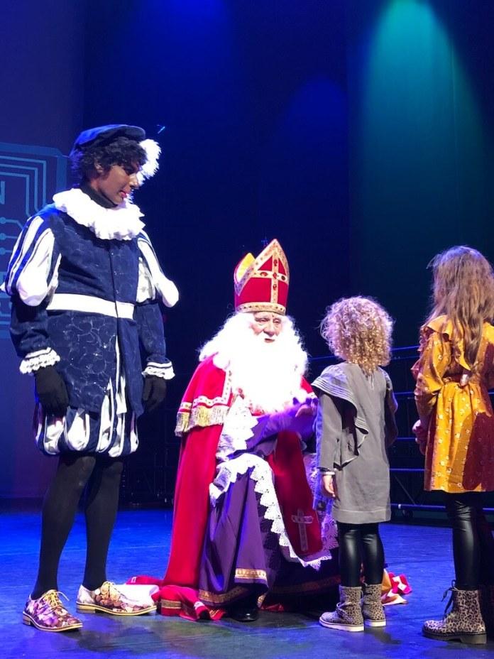 heel veel Sinterklaas en hem dan ook nog een handje geven