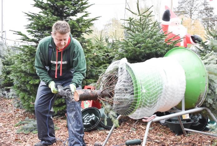 tips waardoor jij nog langer van je kerstboom kan genieten onderkant afzagen
