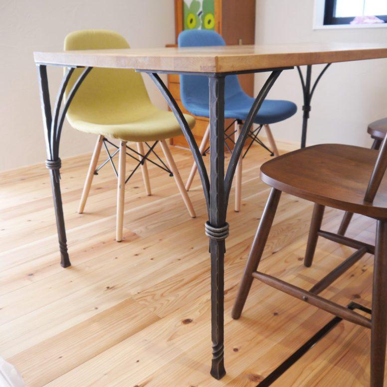 テーブルの脚