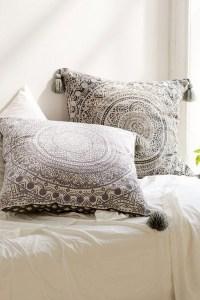 20 Photos Oversized Sofa Pillows