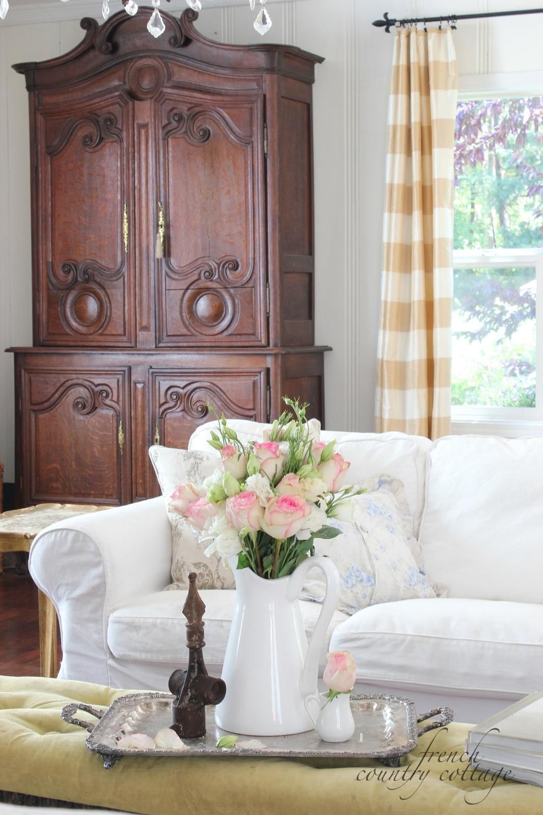 living room chair slipcovers how to decorate a small narrow 20 top country cottage sofas and chairs | sofa ideas