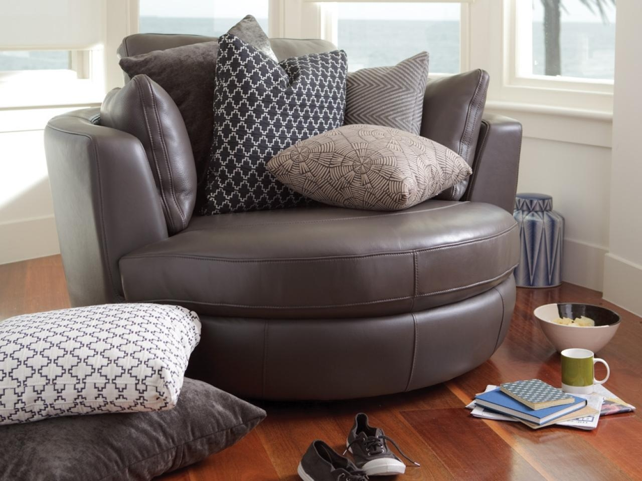 black leather sofas on gumtree balkarp sofa bed hack 20 top cuddler swivel chairs | ideas
