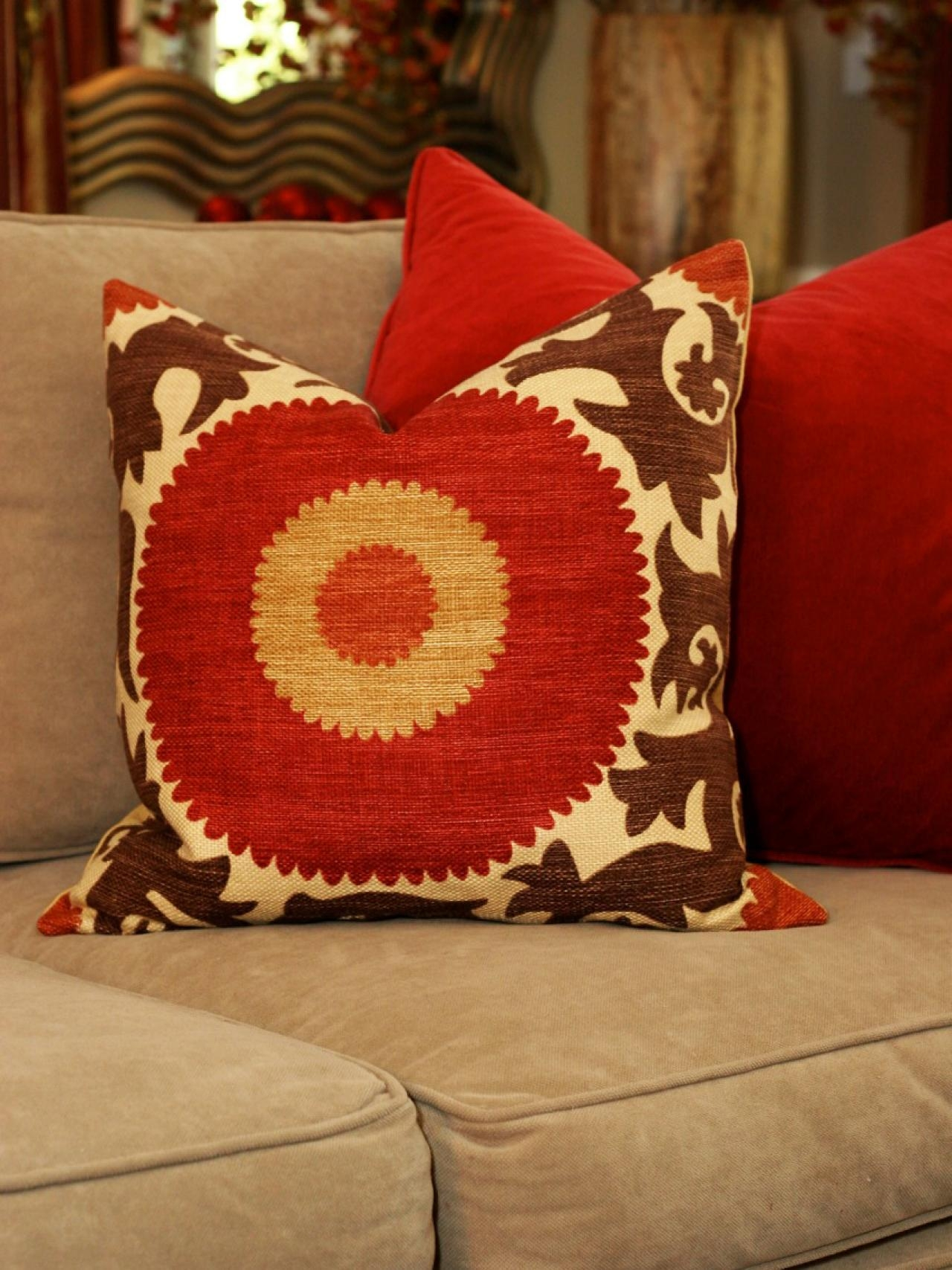 sofa throw pillows cheap childrens pull out bed 22 top red throws ideas