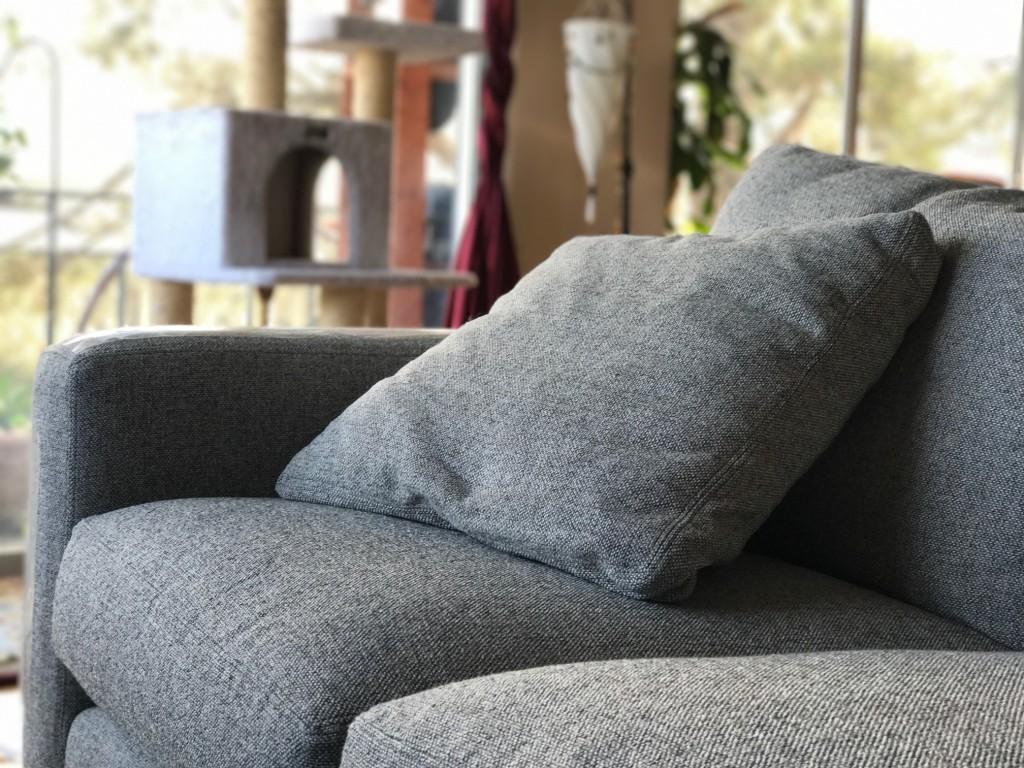 room and board metro sofa with chaise lazyboy sleeper sofas trendy diamonds rug