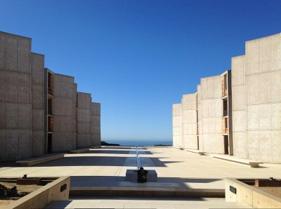 Outdoor shot of Salk Institute in La Jolla, California