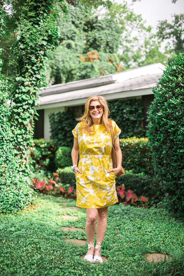 yellow gap dress, tanya foster, film fashion fun